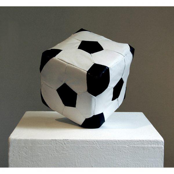 Pallone da calcio dalla serie INUTILE